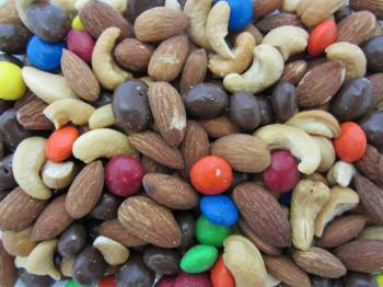 Ultimate Nut & Candy Mix 8 oz.
